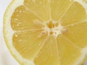 Zitronensaft gegen P ickel